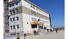 """TEKİRDAĞ'ın Ergene ilçesinde, menenjit teşhisi konulduğu belirtilenlise öğrencisi B.S.(15) ile ilgili Sağlık Bakanlığı'nca açıklama yapıldı. Hastayahenüz tanı konulmadığı belirtilen açıklamada, """"Bir salgın veya olağanüstü bir durum söz konusu değildir"""" denildi.  Ergene Anadolu Lisesi 1'inci sınıf öğrencisiB.S.   #ergene #ergeneanadolulisesi #menenjit #menenjitsalgını #sağlık #sağlıkbakanlığı #Tekirdağ"""