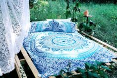 Blue  White Ombre Medallion Circle Duvet Cover Set with 2 Pillow Covers on RoyalFurnish.com, $39.93