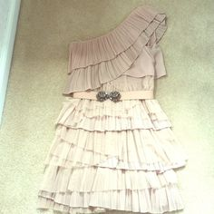 BCBGMAXAZRIA XXS beige cocktail dress Beautiful beige cocktail dress with detachable belt with crystal detail. Dress worn only once to a wedding. Very comfortable with a side zipper. BCBGMaxAzria Dresses One Shoulder