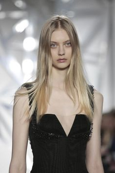Nastya Kusakina very nice blonde hair Nastya Kusakina, Fashion Models, Girl Fashion, Female Head, Long Layered Hair, Russian Models, Girl Hairstyles, Cool Girl, Blonde Hair