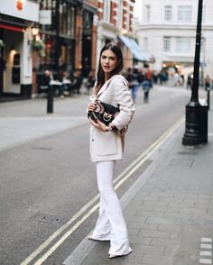 b4ab91004f WEBSTA   maritsanbul - I love London when it s not raining and I am able to  wear fifty shades of white ⛅ Wearing head-to-toe 👌🏼❤️