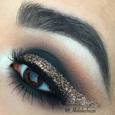 Makeup Geek Eyeshadows in Corrupt, Creme Brulee, Frappe, and Peach Smoothie. Look by: Holalechuza