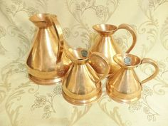 VINTAGE COPPER MEASURING JUGS, COPPER JUGS, COPPER TANKARDS 3.8kg (228) Copper Home Accessories, Brass Planter, French Chateau, Copper And Brass, Kitchenware, Candle Holders, Life, Vintage, Porta Velas