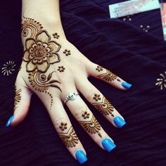 What is a Henna Tattoo? Henna tattoos are becoming very popular, but what precisely are they? Henna Hand Designs, Eid Mehndi Designs, Tattoo Design For Hand, Mehndi Design Photos, Mehndi Designs For Girls, Latest Mehndi Designs, Simple Mehndi Designs, Henna Tattoo Designs, Henna Tattoo Hand