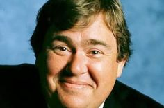 John Candy Biography - With a frame of and 300 lbs., John Franklin Candy was famous in Hollywood for his loving and huggable persona. Tv Star, Gugu, Actrices Hollywood, Before Us, Thing 1, Man Humor, Famous Faces, Funny People, We The People
