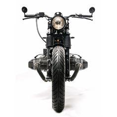 Clean Maschine: Urban Motor's rakish BMW Custom Bmw, Custom Bobber, Custom Bikes, Retro Motorcycle, Scrambler Motorcycle, Classic Motorcycle, Bike Bmw, Bavarian Motor Works, Bmw Boxer