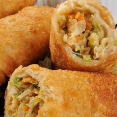 Ever wonder how to make egg rolls? This recipe can be made with or without the pork if you are vegetarian. If you want it without meat, then just add another cup of grated vegetables. Egg Rolls Recipe from Grandmothers Kitchen. Egg Roll Recipes, Great Recipes, Favorite Recipes, Comida Filipina, Homemade Egg Rolls, Homemade Biscuits, Chicken Egg Rolls, Pork Egg Rolls, Shrimp Egg Rolls