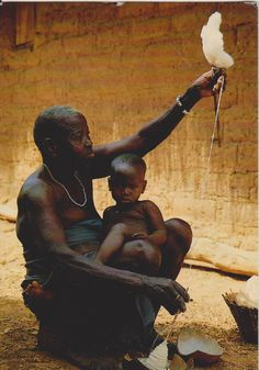 Africa Fileuse de Coton dans le Village Senoufo de Fakaha. Ivory coast