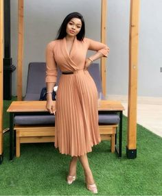 Classy Work Outfits, Classy Dress, Chic Outfits, Fashion Outfits, Dress Outfits, Fashion Blogs, Girl Fashion, Fashion Trends, Latest African Fashion Dresses