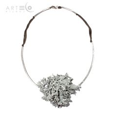 Necklace-choker realized with white/silver-plated lichen, steel chocker and cotton rope. Buy it on ArtEco's Etsy shop! https://www.etsy.com/listing/201809531/necklace-choker-realized-with