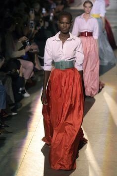58 Looks From Carolina Herrera Lim Fall 2018 NYFW Show – Carolina Herrera Lim Runway at New York Fashion Week Fashion Moda, Fashion Week, New York Fashion, Fashion Show, Womens Fashion, Fashion Design, Fashion Tips, Carolina Herrera, Jessica Parker