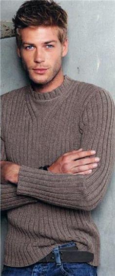 Вяжем простой свитер для мужчины