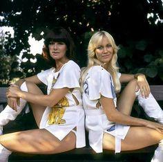 Frida et Agnetha - Abba 70s Singers, Female Singers, Brighton, Divas, Celebrity Boots, No Boys Allowed, Pop Music, Pop Group, Beautiful Actresses