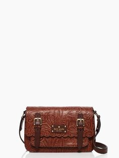 Pair this Kate Spade #chocolate brown santa rosalia scout bag with an #orange dress for a cute fashion statement! durupaper.com #kate_spade
