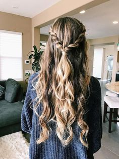 Prom Hairstyles For Long Hair, Girl Hairstyles, Trendy Hairstyles, Hairstyle Wedding, Easy Hairstyles For Thick Hair, Wedding Braids, Glamorous Hairstyles, Hairstyles For Round Faces, Hair Wedding