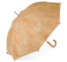 Cork Umbrella - Sandra Correia: Umbrella made of cork with cotton lining, metal frame and a wooden handle.