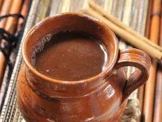 Receta de Champurrado | El champurrado es una de las bebidas preferidas de los oaxaqueños y muchos empiezan su día tomando una humeante taza de champurrado con un delicioso tamal. Prueba ésta receta.