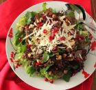 Mushroom, walnut and pomegranate salad Salad Recipes, Diet Recipes, Cooking Recipes, Healthy Recipes, Salad Bar, Soup And Salad, Savoury Dishes, Greek Recipes