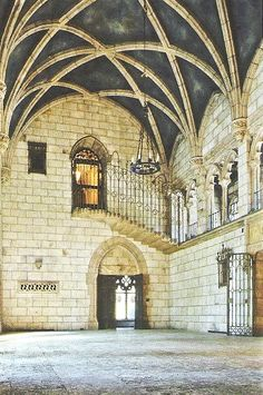 Three story high ribbed vault ceiling complete with frescoes the grand hall suggested a Gothic Cathedral. Lost House, AD, The Fall of La Ronda. 1929 Mediterranean Revival Residence by Architect Addison Mizner in Bryn Mawr, Pennsylvania. Demolished in 2009 it was 14,000 sq ft with 51 rooms