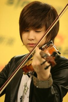Henry Lau's cheeks, if you've never thought they were cute.. you're lying because you've definitely thought so.