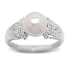 Simple, classic, perfect. I love pearls