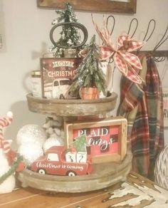 19 ideas farmhouse christmas tray for 2019 Christmas Kitchen, Primitive Christmas, Country Christmas, Christmas Home, Vintage Christmas, Christmas Holidays, Christmas Crafts, Christmas Patterns, Christmas Christmas