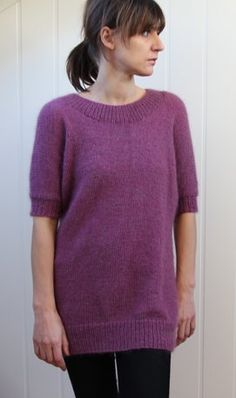 Chase away those early spring chills with this cozy lightweight sweater from Pickles! Free #knitting patterns for sweaters aren't just for the winter. With some thin yarn and 3/4 length sleeves, there are plenty of patterns that are perfect for warmer weather.