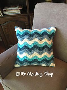 Chevron_pillow__crochet__large__envelope_back__blue_small2