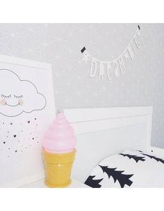 Wolkenliebe mit Eislampe - wundervoller Schlafplatz für süße Träume - Lampe, Banner und Bild über www.meinekleineliebe.de