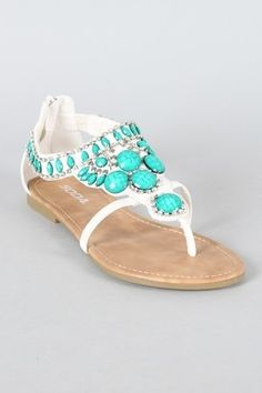 Pretty turquoise sandals, perfect for the coast!