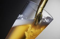 En utilisant le procédé de la lyophilisation, des brasseurs danois sont parvenus à créer une bière en poudre qui, mélangée à de l'eau et à un peu d'alcool, ressemble à s'y méprendre à une bière artisanale tout droit sortie d'un fût.