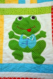 Lo, Ray, & Me: Frog Applique Quilt. Love this little guy! Only one block in very cute baby quilt. Baby Quilt Patterns, Applique Patterns, Applique Quilts, Applique Designs, Cute Quilts, Boy Quilts, Amish Quilts, Quilt Baby, Quilting Projects