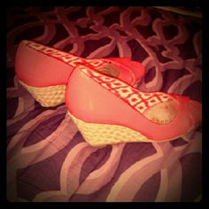 Only worn once shoes!! Peach and white wedge shoes!! dexflex comfort Shoes Wedges
