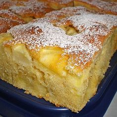 Apfelkuchen Großmutters Art Apple pie Grandma's style, a delicious recipe from the category cake. Ratings: Average: Ø Pound Cake Recipes, Easy Cake Recipes, Pie Recipes, Dessert Simple, Grandmas Apple Pie, Homemade Bread Bowls, Banana Bundt, Apple Recipes Easy, Gateaux Cake