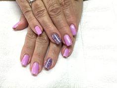 Shellac and glitter natural nails