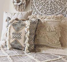 Bohemian Chic Fashion, Boho, Cushions On Sofa, Throw Pillows, Living Room Sofa, Cushion Covers, Hand Weaving, Interior, Beautiful