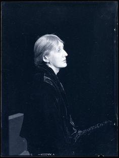 Virginia Woolf. Man Ray 1935.