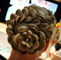Cute hairdo for your wedding