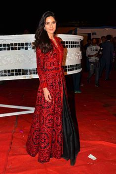 Shop Bollywood style Katrina kaif red and black color banglori silk gown online…
