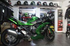 Motocicleta Ninja H2 SX. #kawasaki #h2sx #motomus Kawasaki Ninja, Ninja Motorcycle