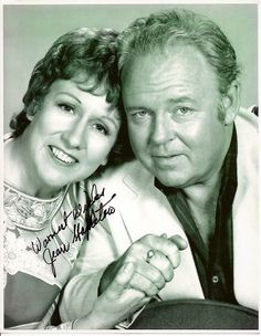 Jean Stapleton as Edith Bunker . what a pro . Jean Stapleton, Archie Bunker, Nostalgia, Cinema, Celebrity Deaths, Famous Couples, Tv Couples, All In The Family, Thanks For The Memories