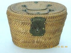 VINTAGE WOVEN WICKER SEWING BASKET DECORATIVE BRASS HANDLES, CLASP & HINGES
