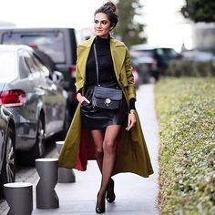 Istanbul moda haftası en güzel renklerle devam ediyor. ✨✨ : @ruyabuyuktetik from @streetstyleturkey #mbifw @mbfwistanbul  #istanbul #fashionweek #streetstyle #sokakstili #sokakmodasi #modahaftasi #fashionista #fashionblogger #fashiondiaries #wiw #wiwt #whatiworetoday #whatiwore #fashionpost #todaysoutfit #outfitpost #outfit #clothes #fashion #style #cool #best #trend