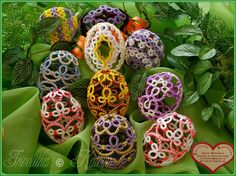 Tree decorations & Easter eggs .... inspiring ideas for tatted angels, eggs, etc.