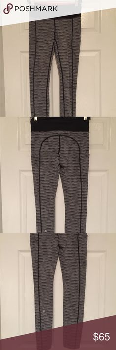 ⭐️New Lululemon Speed tights!⭐️ ⭐️New Lululemon Speed tights!⭐️ Worn to try on, like new! Color: Black and White. Size: 4. Has a zipper in the back waistline for your key or $. Side leg pockets. Very cool design! LOVE♥️ lululemon athletica Pants Leggings