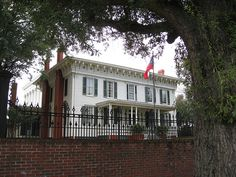 FIRST WHITE HOUSE OF THE CONFEDERACY... Montgomery, Alabama--a day tour of Montgomery needs to include this historical site.