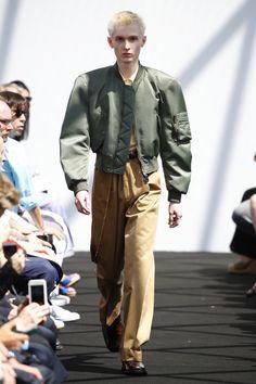 Balenciaga | Menswear - Spring 2017 | Look 18
