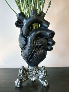 handmade vase from Morte. This awesome vase is styled like an anatomical human heart but in Gothic black, and sits on a classical style stand. This great piece of Gothic gift-ware. Handmade Home Decor, Unique Home Decor, Diy Halloween Decorations, Halloween Diy, Die Renaissance, Goth Home Decor, Gothic House, Victorian Gothic Decor, Gothic Bedroom