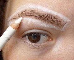 7 простых хитростей использования белого карандаша для идеального макияжа Eye Tricks, Eye Liner Tricks, Beauty Make Up, Hair Beauty, Beauty Secrets, Beauty Hacks, Brows, Eyeliner, Acne Skin