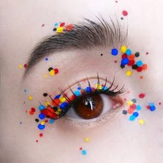 Come back with the dreamiest confetti eyelook, inspired by a unique . - Make-up Ideen - Makeup Eye Makeup Art, Cute Makeup, Pretty Makeup, Beauty Makeup, Weird Makeup, Edgy Eye Makeup, Eye Makeup Designs, Eyeliner Makeup, Sfx Makeup